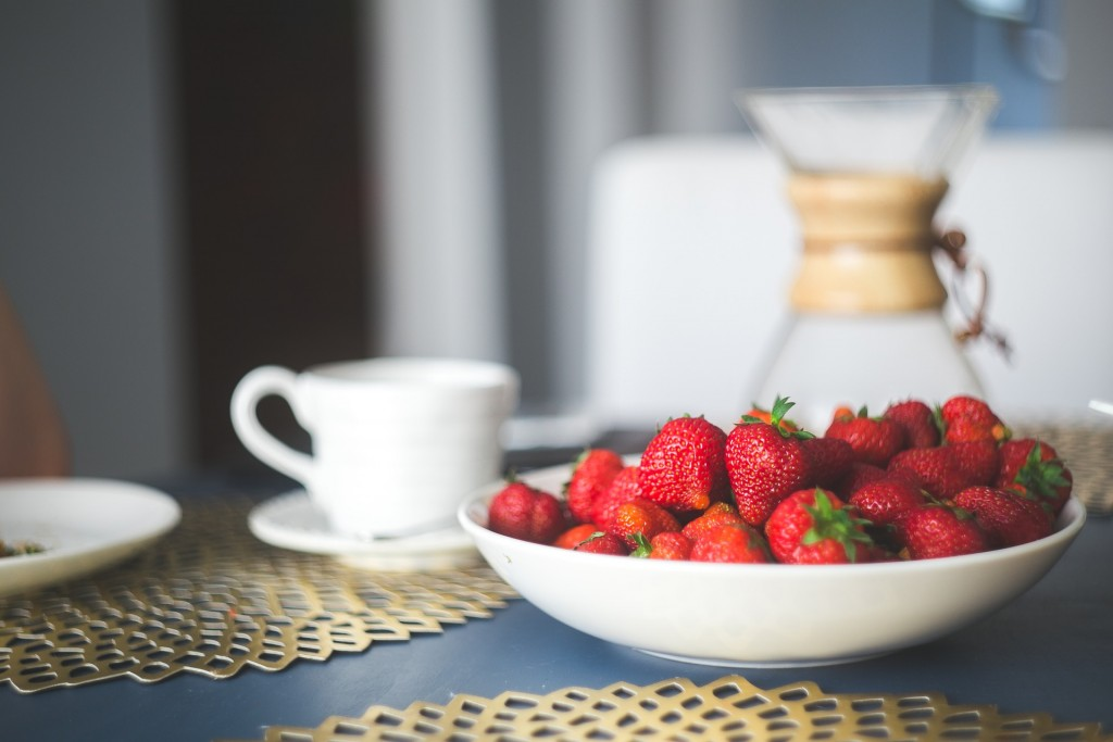 strawberries-869198_1920