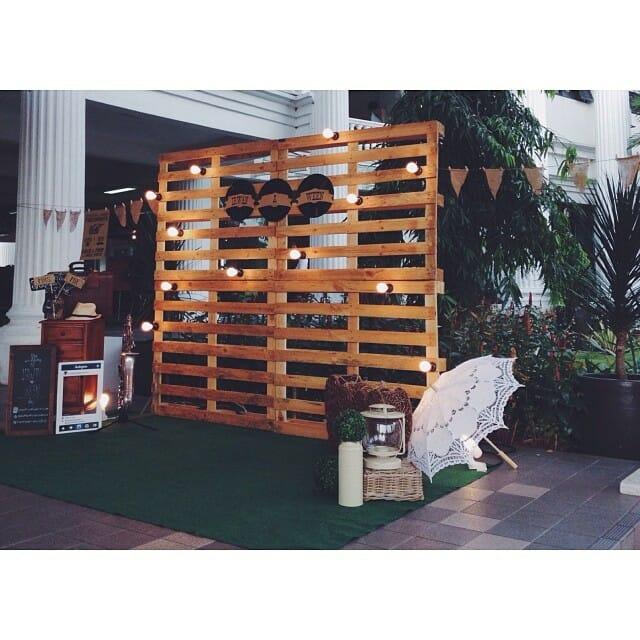 Photocall con palets para tu boda - Palet de madera decoracion ...