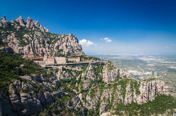 Monasterio de Montserrat/ Viator©