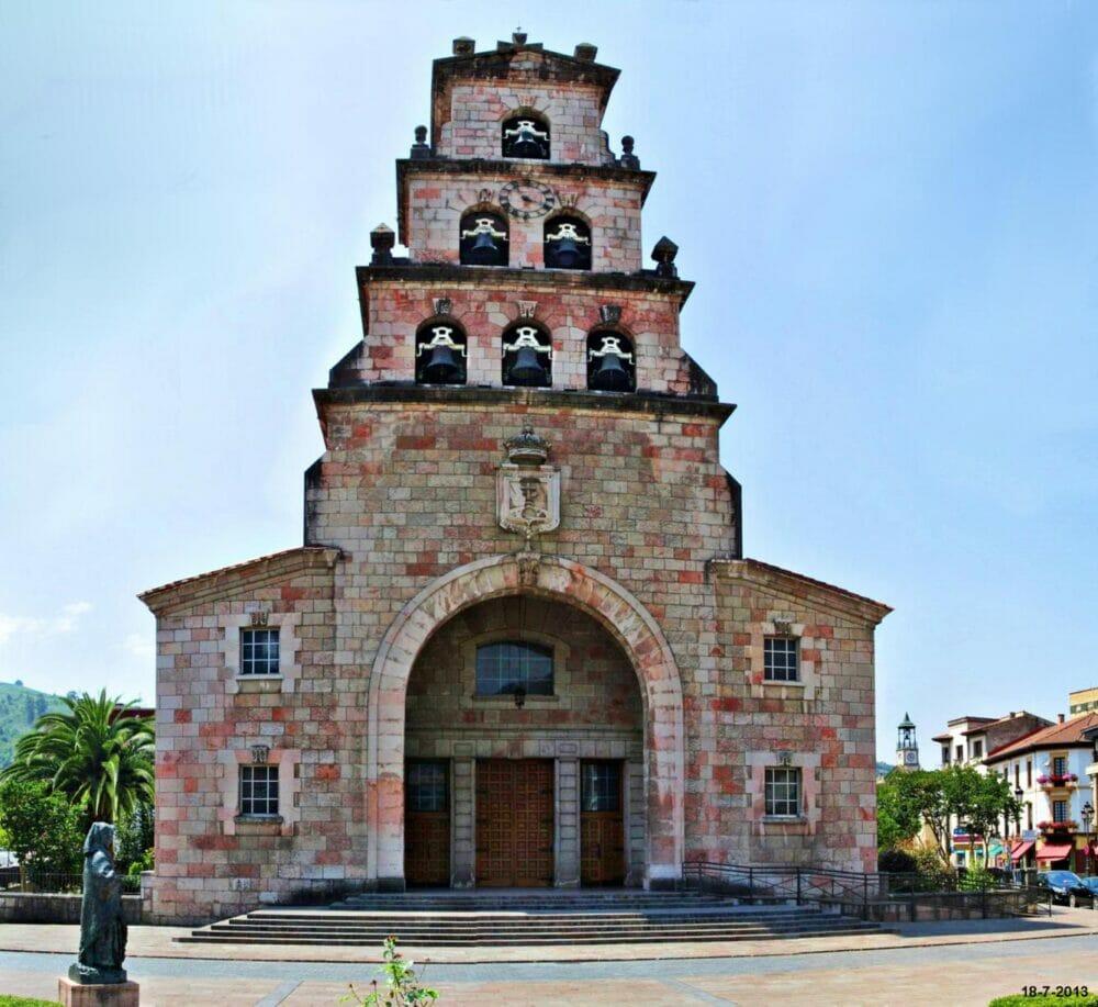 cangas-de-onis-iglesia-de-la-asuncion-y-3-plantas-de-campanas-x
